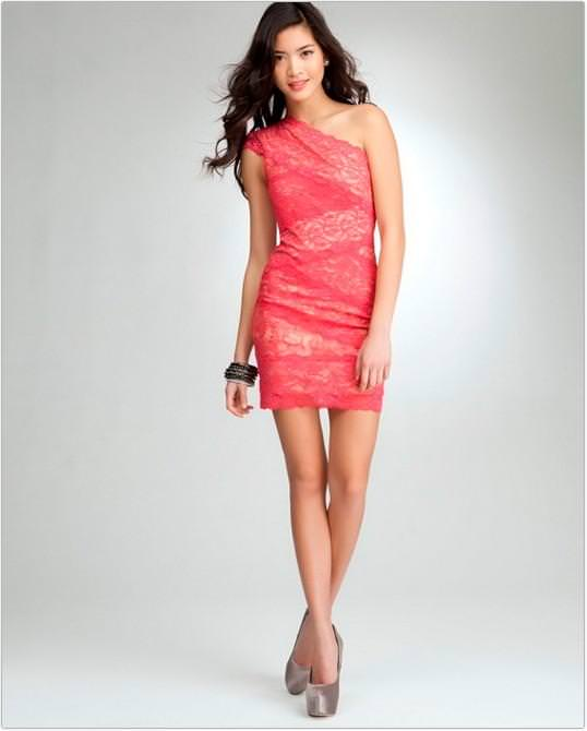 Модні короткі плаття 2014 фото