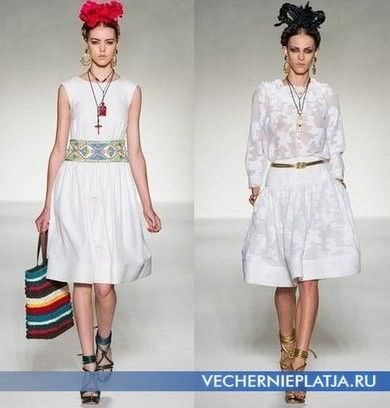 Модні плаття від Moschino.  Сезон весна-літо 2012 порадує нас платтями в...